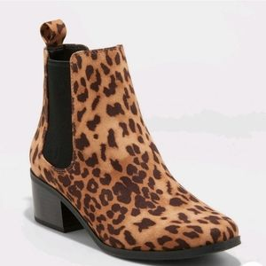 a new day Ellie Leopard Boots Brown NWT